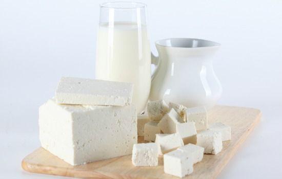 Alimentos que devem ser evitados durante a gravidez - leite queijo