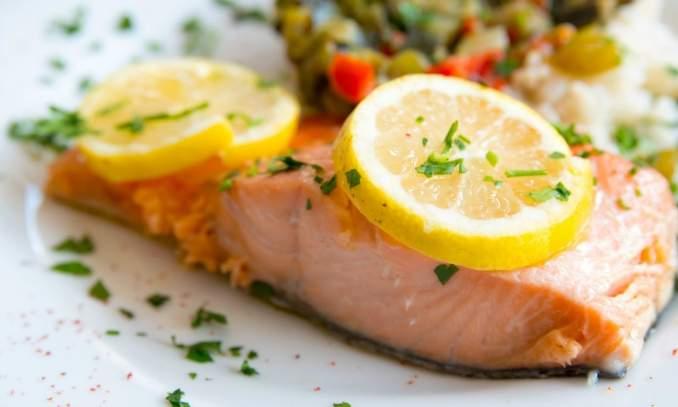 Comer peixe durante a gravidez aumenta a inteligência do bebê - Copia